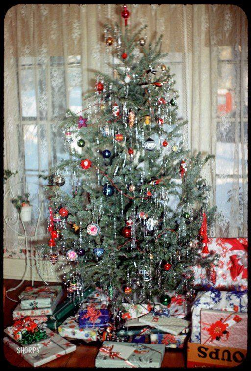 75 Creative Christmas Tree Decorating Ideas That Will ...