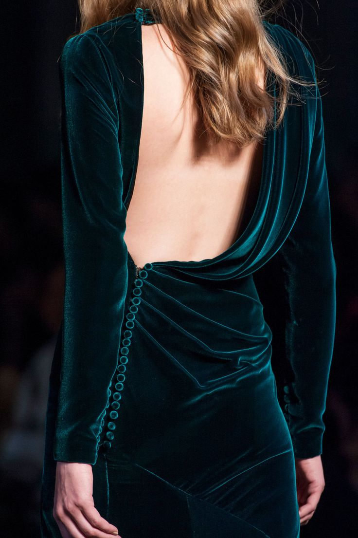 30 Incredibly Gorgeous Velvet Outfit Ideas For Women