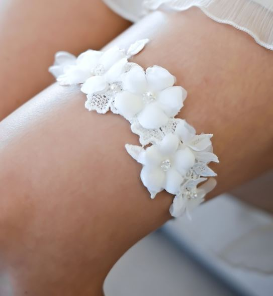 luca-lace-wedding-garter-by-percy-handmade