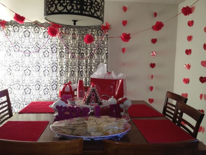 30 cool and beautiful valentine 39 s day table decorations for Table design for valentines day