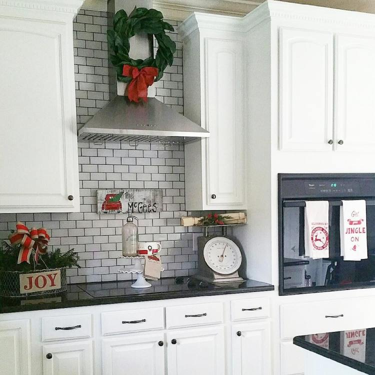 Kitchen Cabinet Christmas Decorating Ideas: Christmas Kitchen : 60 Modern Christmas Kitchen Decorating