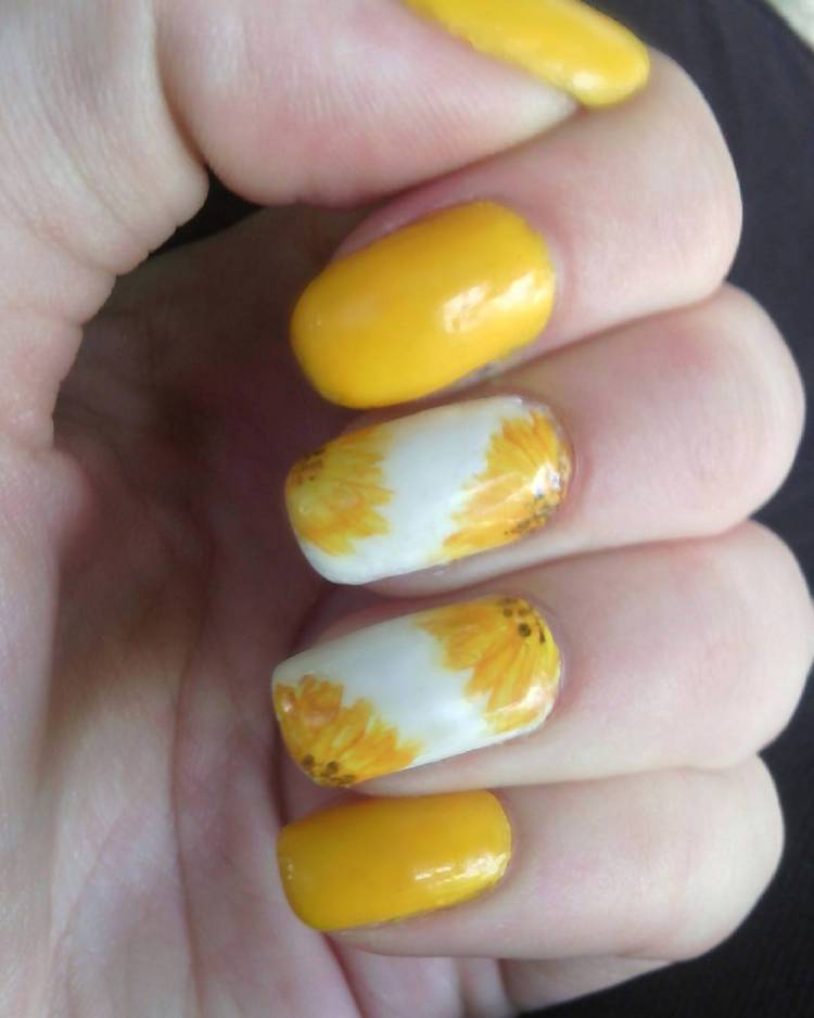 88 stunning yellow nail art designs just for you nail nailpolish nailart nailartdesigns nailss floral floralnails floralnailart prinsesfo Images