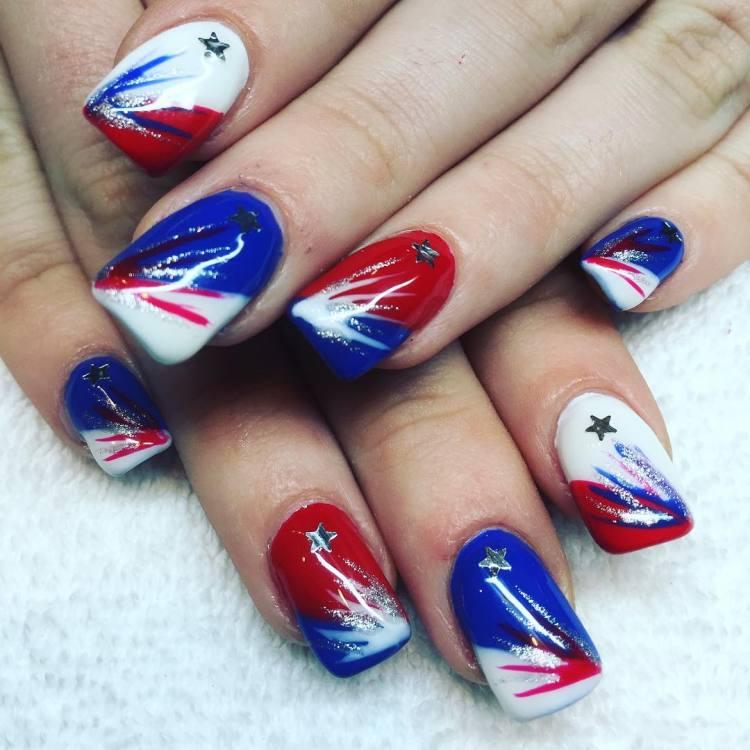 55 amazingly patriotic 4th july nail art ideas patriotic 4th july nail art ideas prinsesfo Image collections
