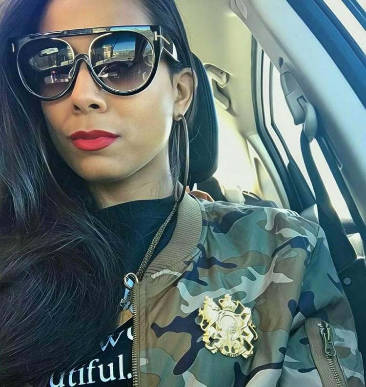 LAST ONE!!! Mani Retro Frames #sunnies #shadequeen👑 #boutique #summershades🌴 #fashion #pompomhat #sunglasses #eyewear #shadeplug #shadegang #hotshades