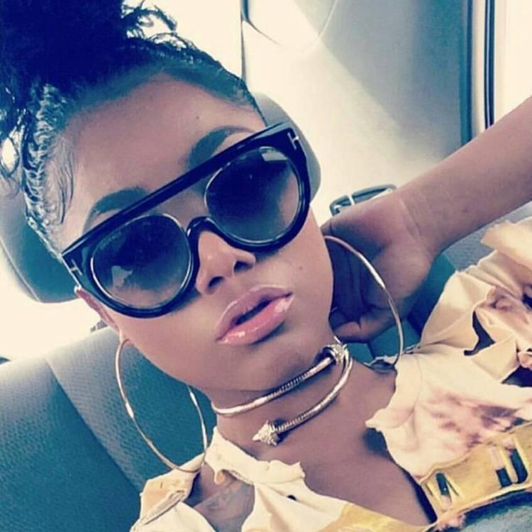Mani Retro Frames #sunnies #shadequeen👑 #boutique #summershades🌴 #fashion #pompomhat #sunglasses #eyewear #shadeplug #shadegang #hotshades #frames #eyewear #summereyewear