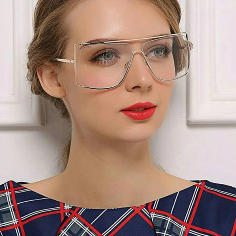 #sunnies #shadequeen👑 #summershades🌴 #fashion #pompomhat #sunglasses #eyewear #shadeplug #shadegang #hotshades #frames #eyewear #summereyewear