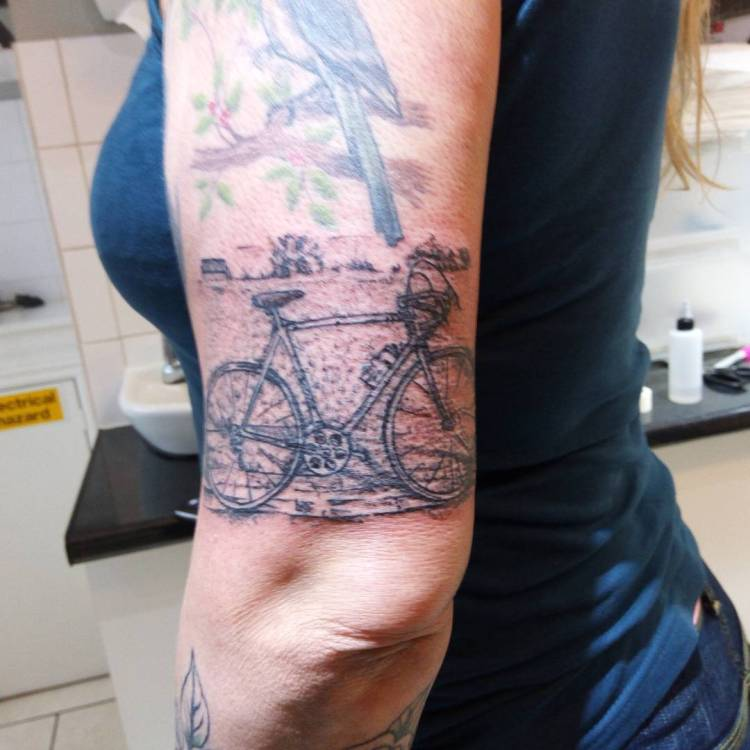50 Cool Bicycle Women Tattoo Ideas To Make A Style Statement