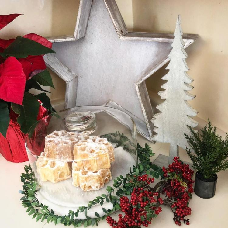 14 Creative Ways To Decorate A Kitchen: Christmas Kitchen : 75+ Creative Kitchen Decorating Ideas