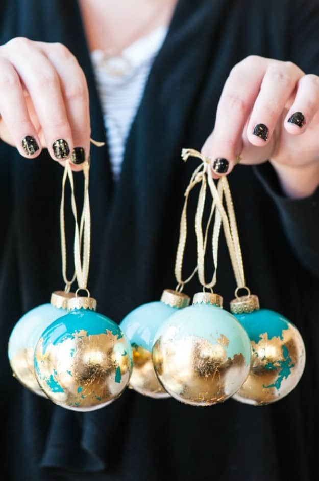 DIY Christmas List Ornament via myma.me