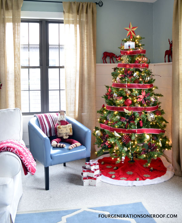 35 Picture-Perfect Christmas Tree Ideas You Have Never