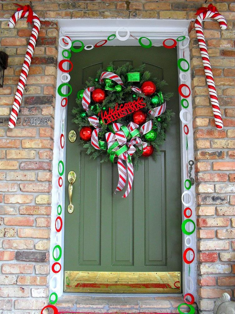 Welcome To Candy Cane Lane via theseasonalhome