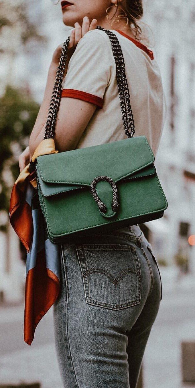 Beige Top + Green Shoulder Bag + Grey Skinny Jeans