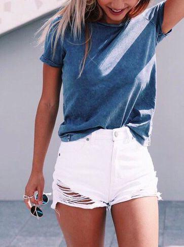 Pretty high-waist white ripped shorts