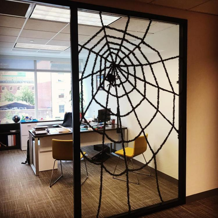 30 Cute Office Halloween Decorations Ideas » EcstasyCoffee