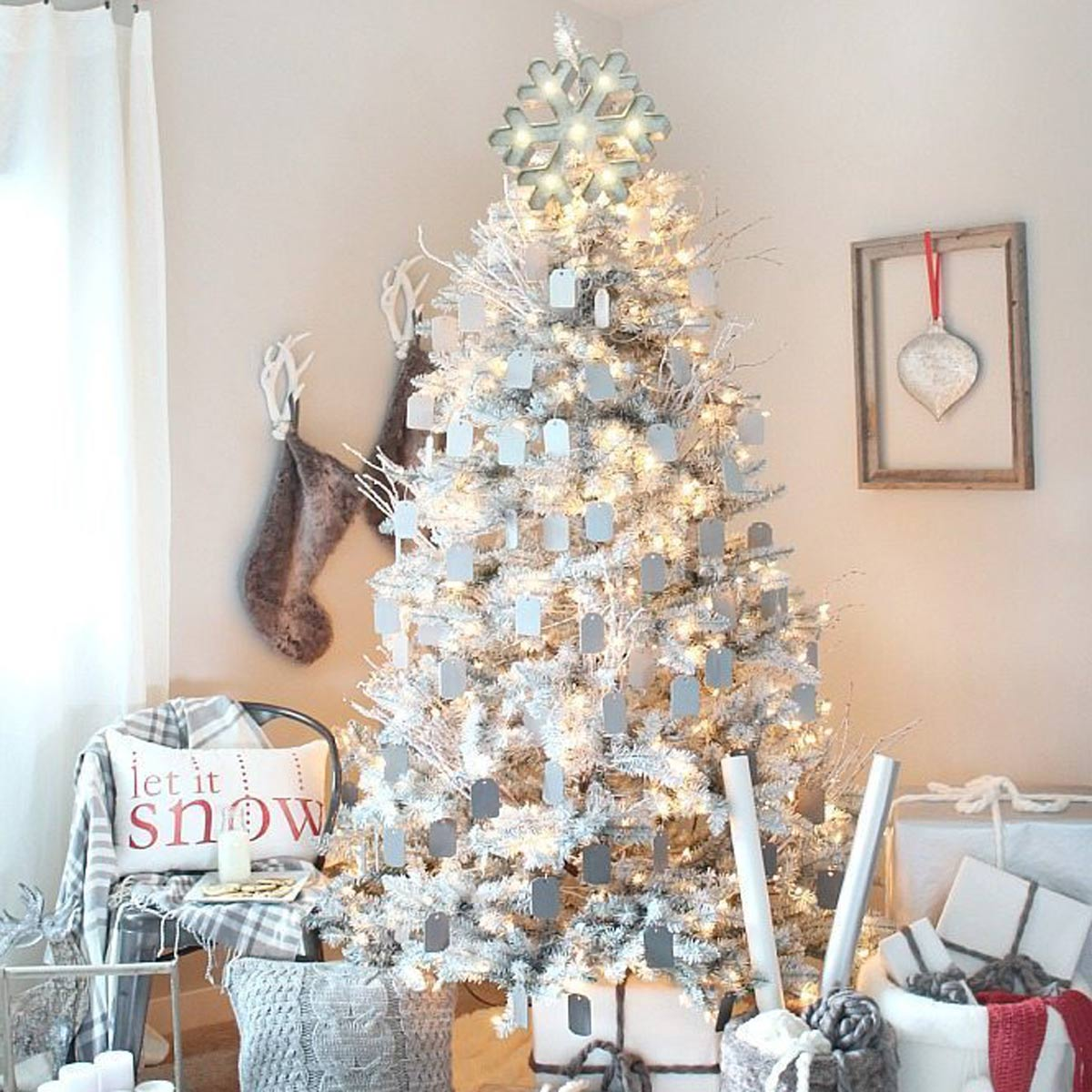 20+ Gorgeous Christmas Tree Ideas You Would Want To Take A Look