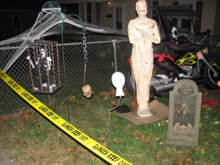 Diy Halloween Props Animated.35 Best Halloween Life Sized Figures For All Hallows Eve