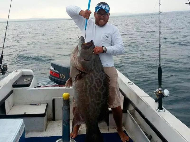Bottom fishing in manta ecuador for Fishing in ecuador