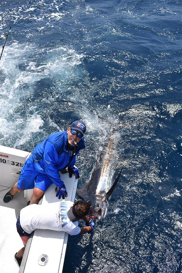 promotion 20181015 manta fishing 01