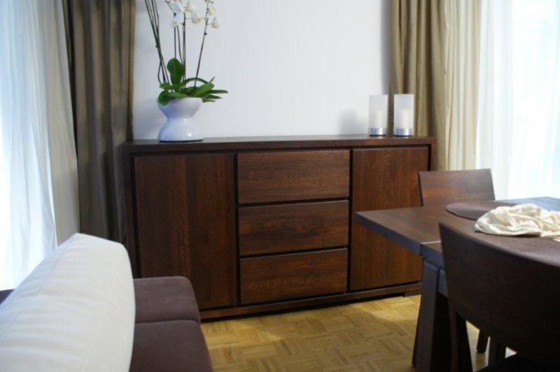 komoda drewniana, komoda z litego drewna, meble do salonu