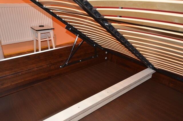 skrzynia łóżka ze stelażem podnoszonym