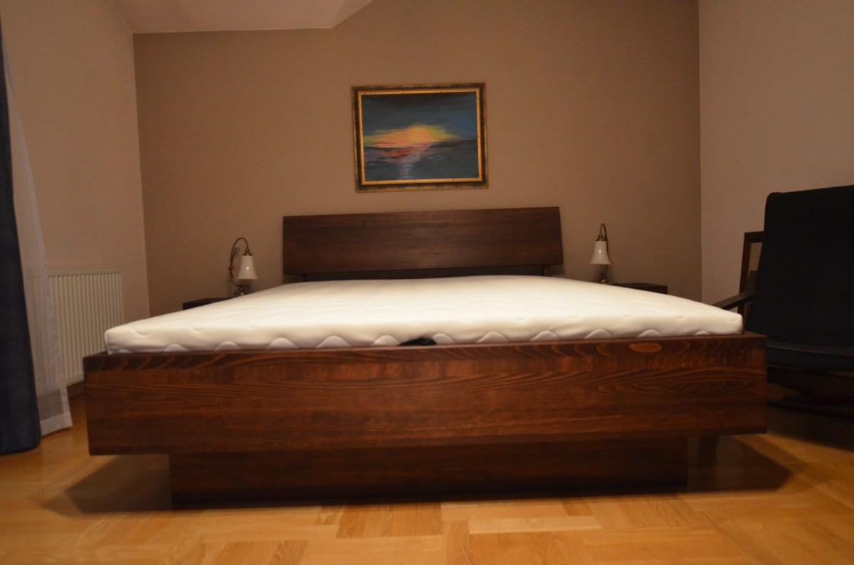 Łóżko bukowe LK7 ze skrzynią i stelażem podnoszonym