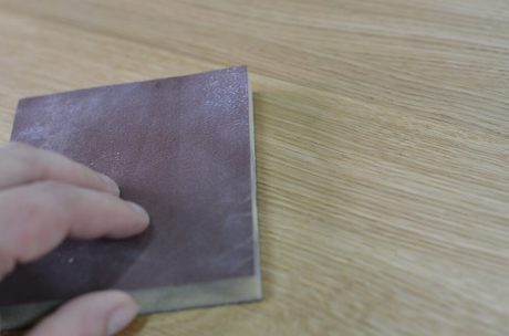 pielęgnacja mebli drewnianych woskowanych