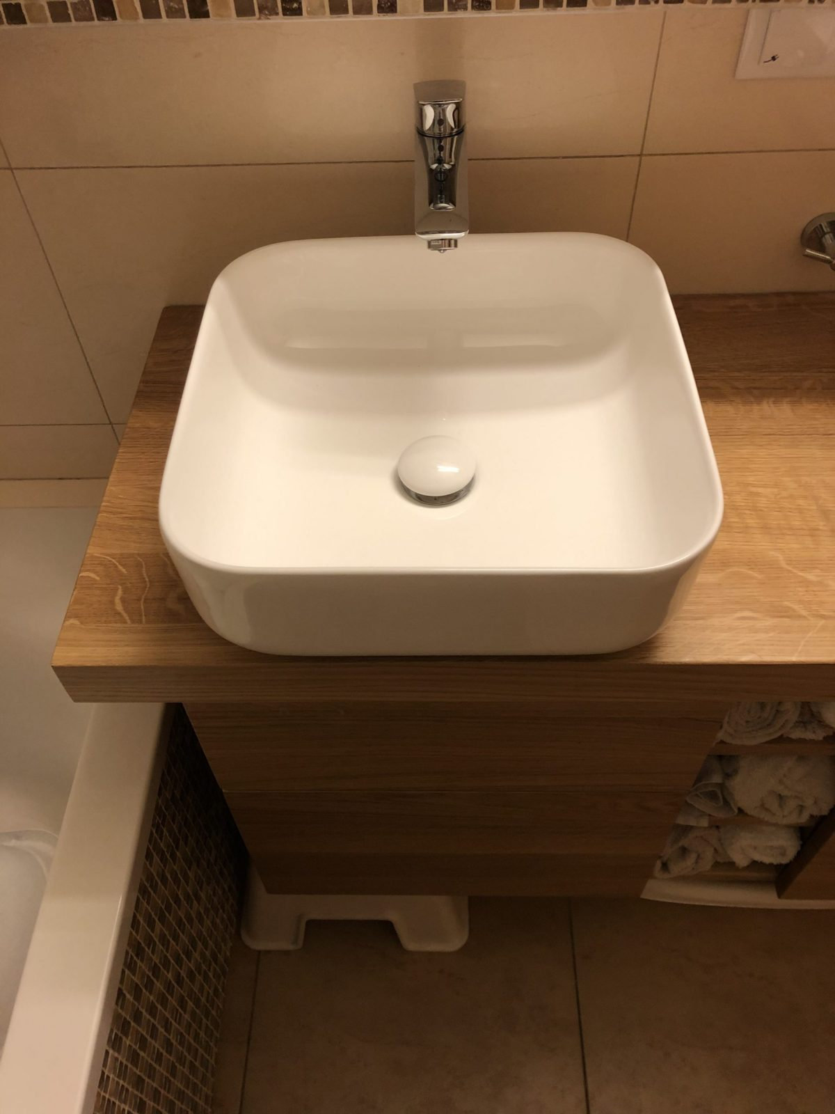 łazienkowe meble