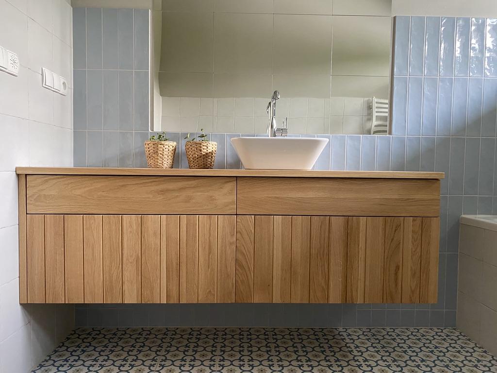 łazienkowe-meble-z-drewna-dębowego