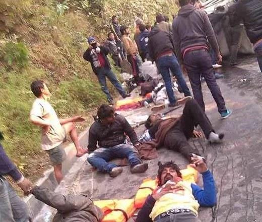 12 Roadies X4 crew members hurt in mishap