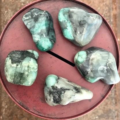 Smaragd trommelstenen mineralen