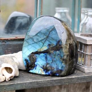 labradoriet gepolijst sculptuur mineralen spectroliet