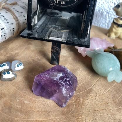 brokjes ruw gouden driehoek amethist bergkristal rozekwarts rozenkwarts