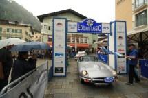 Hohenstein Detlef und Hohenstein Silvia auf Jaguar E Roadster Serie 2 BJ 1969