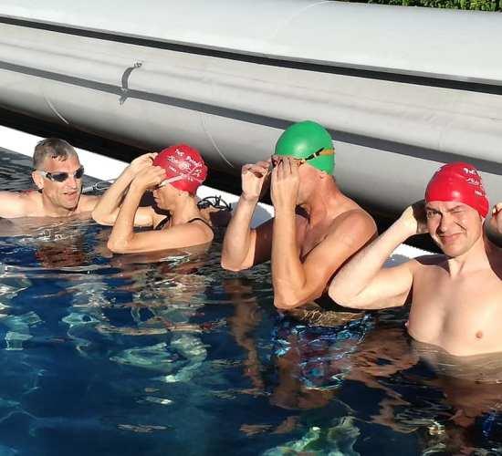 Schwimmtraining der Triathleten im Ederauen Erlebnisbad