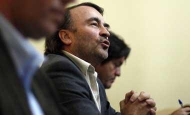 """Parlamentarios opositores apoyan a Girardi y aseguran que su actuar fue """"criterioso"""""""