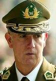 Ex director general de Carabineros revela porqué se excluye de reuniones con otros generales