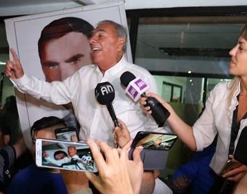 Jorge Soria, a sus 81 años, conquista un escaño en el Senado y luce como mayoría nacional