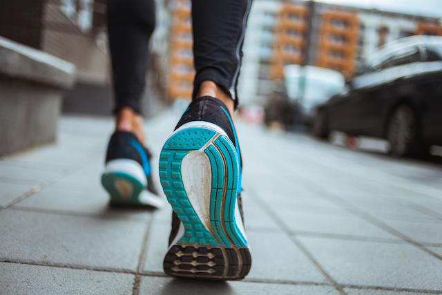 Sí, caminar también adelgaza