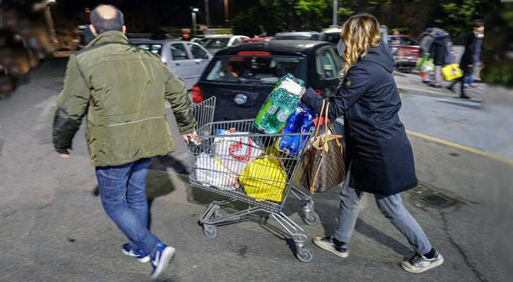 Coronavirus: assalto ai supermarket dopo il Decreto Conte