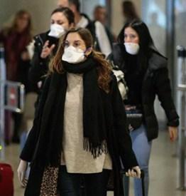 Covid-19. L'Isis ci avrebbe imposto il niqab, il virus ci ha obbligati alla mascherina