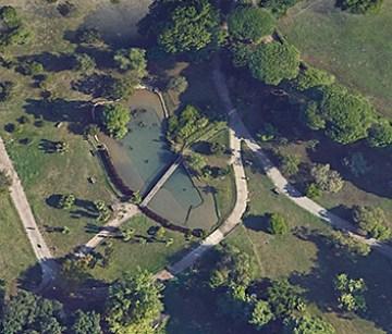 Villa Pamphili. Il laghetto con il ponticello transennato