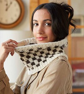 Seed Stitch Checkerboard Cowl