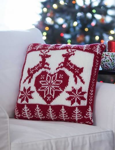Bernat Holiday Nordic Pillow knit