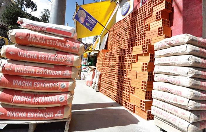 Constructores piden bajar el peso de las bolsas de cemento de 50 kilos a 25