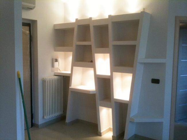 Costruzioni in cartongesso libreria e controsoffitto