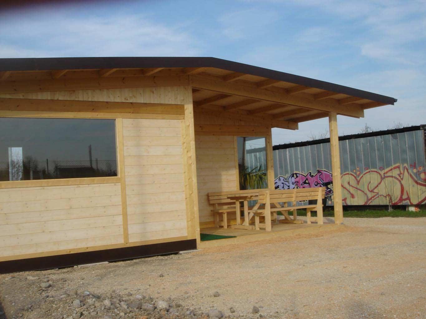 Casetta di legno prefabbricata