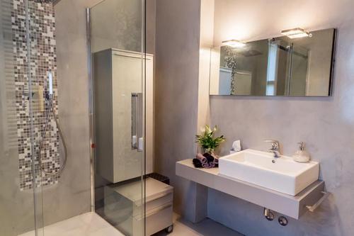 Bagni Moderni Completi Prezzi - Idee per interni per la casa, il ...