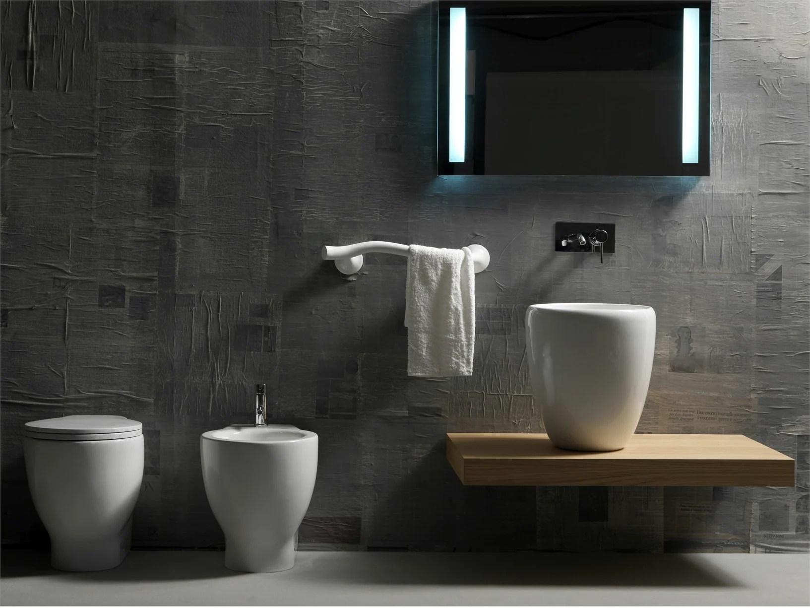 Mondo convenienza rubinetteria  Boiserie in ceramica per bagno