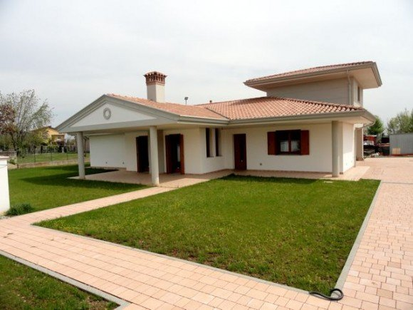 Villa Singola  Friuli  Edil Tomada