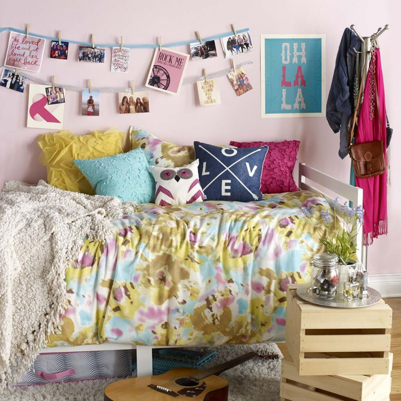Students use Pinterest to find dorm decorating ideas by Brianna Giusti